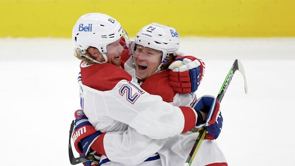 Хоккеисты Монреаль Канадиенс Тайлер Тоффоли и Эрик Стаал