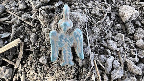 Подвеска в виде фигуры Архангела, найденная во время раскопок в Суздальском Ополье