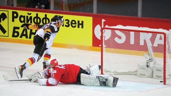 Хоккеист сборной Германии Марсель Небельс