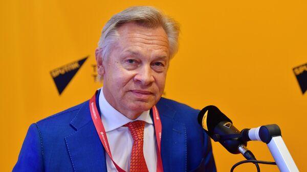 Председатель Временной комиссии Совета Федерации по информационной политике и взаимодействию со СМИ Алексей Пушков в студии радио Sputnik на Петербургском международном экономическом форуме - 2021