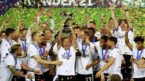Футболисты молодежной сборной Германии