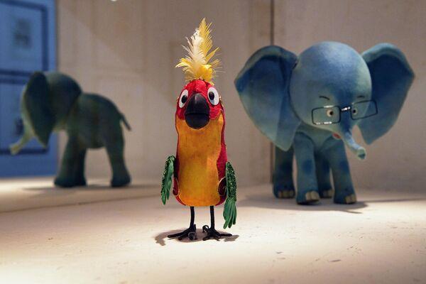 Куклы-персонажи Попугай и Слоненок из мультфильма 38 попугаев на выставке