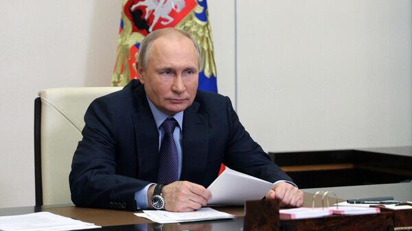 Президент РФ Владимир Путин в режиме видеоконференции принимает участие в запуске Амурского газоперерабатывающего завода компании Газпром