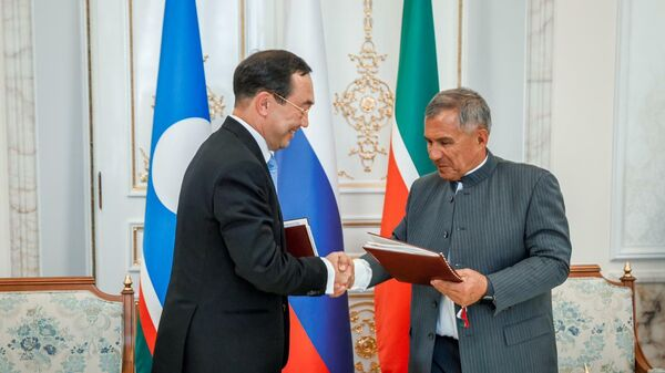 Глава Якутии Айсен Николаев и президент Татарстана Рустам Минниханов