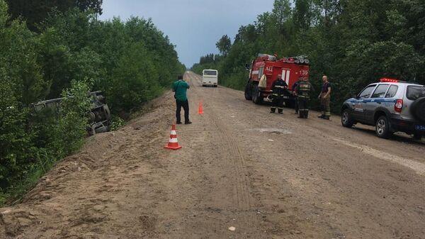 На месте ДТП с пассажирским автобусом в Ленинградской области