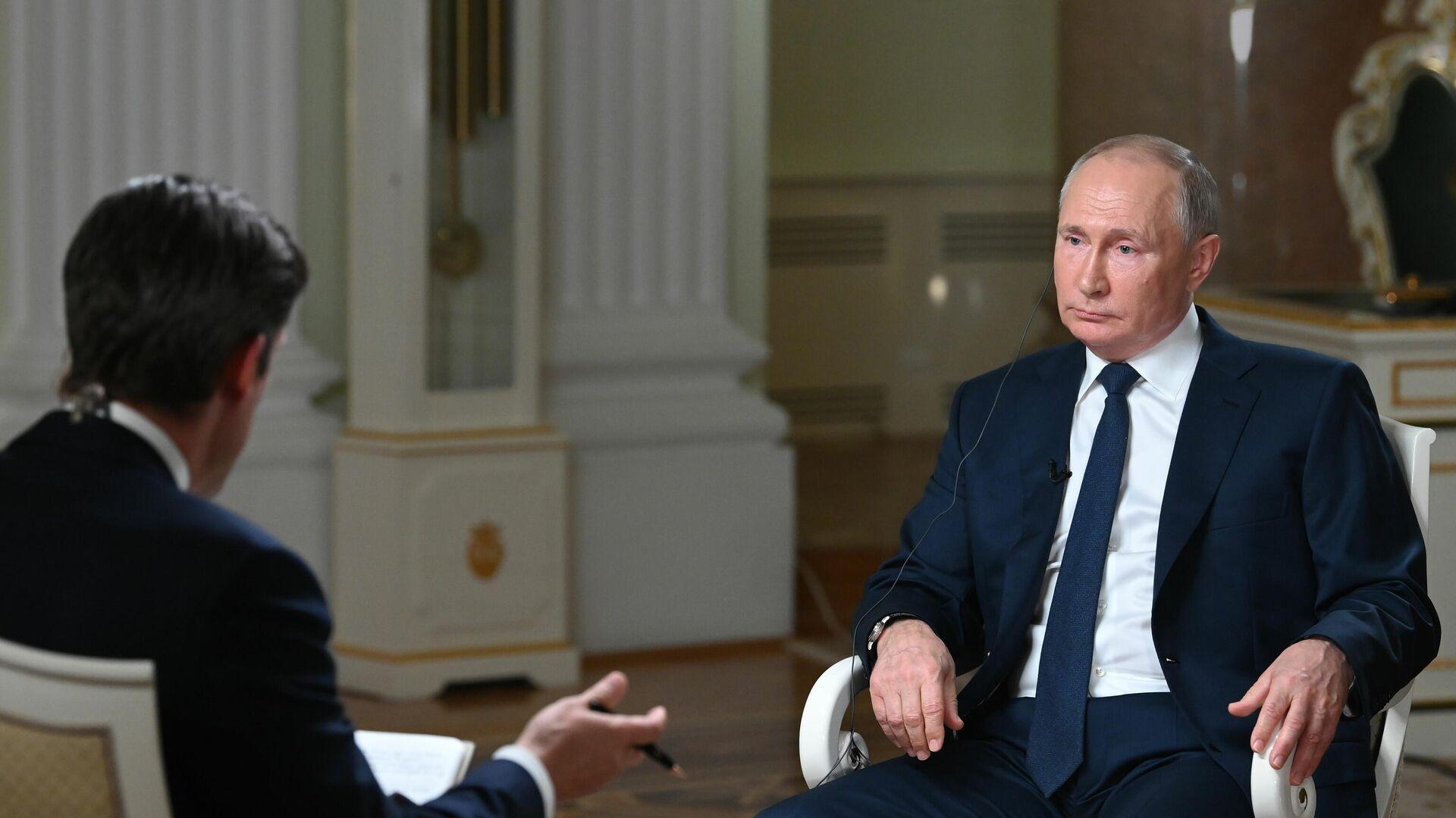 Президент РФ Владимир Путин отвечает на вопросы журналиста телекомпании NBC - РИА Новости, 1920, 15.06.2021