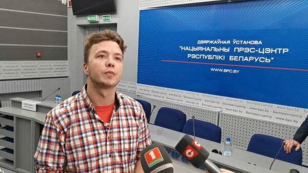 Протасевич о намерении привиться в СИЗО Спутником V