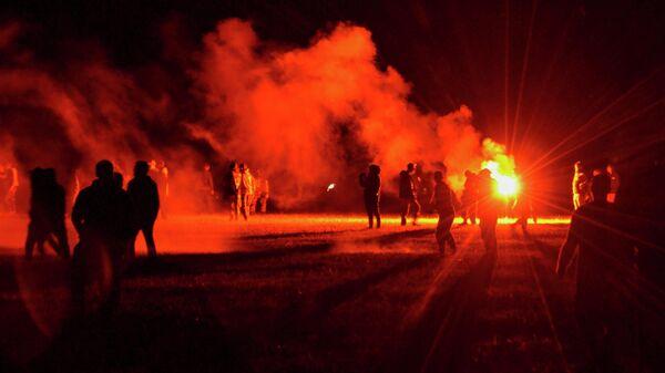 Полиция пытается разогнать несанкционированную рейв-вечеринку возле Редона на северо-западе Франции