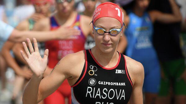Валентина Рясова (Россия) на старте - спринта 750 м в плавании в личном первенстве среди женщин на соревнованиях по триатлону на Чемпионате Европы в Казани.