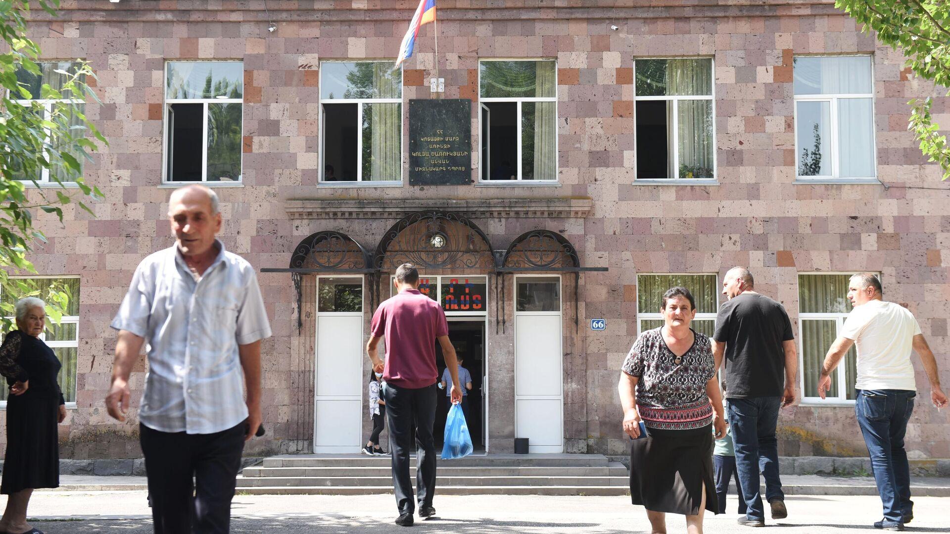 ЦИК Армении отчитался о явке на выборах