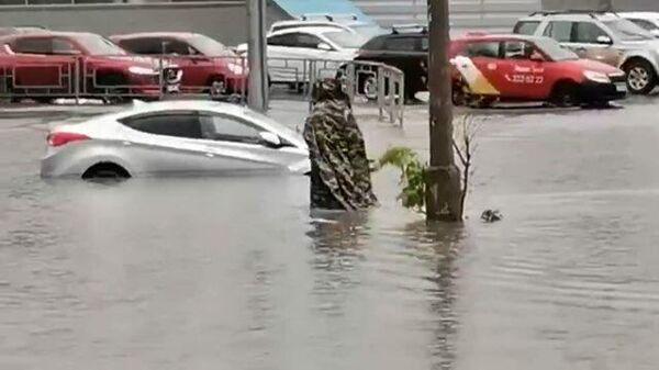 До дома вплавь: Красноярск затопило после ливней