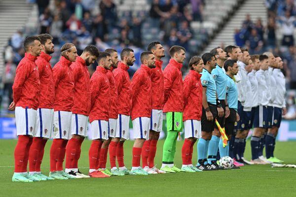 Футболисты сборных Хорватии и Шотландии