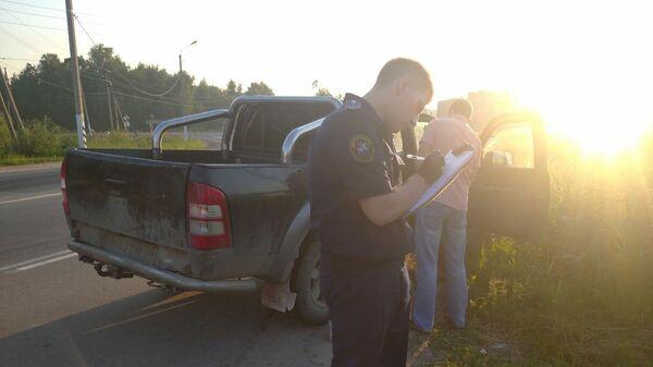 Сотрудники правоохранительных органов на месте задержания подозреваемого в двойном убийстве в Тульской области