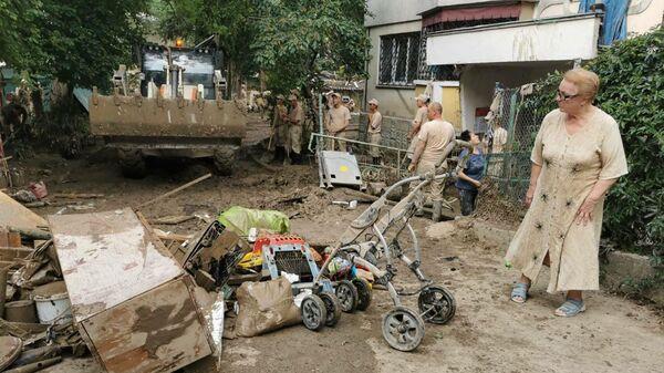 Военные расчищают улицу Вергасова в Ялте