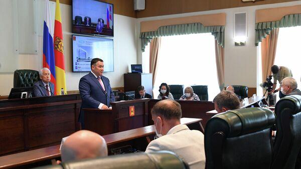 Губернатор области Игорь Руденя на ежегодном отчете перед депутатами Законодательного собрания региона