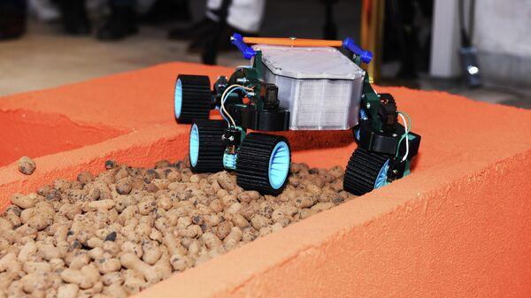 Защита проектной практики в формате соревнования самостоятельно изготовленных моделей марсоходов в МИФИ