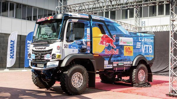 Новый грузовик команды КАМАЗ-мастер с кабиной К5