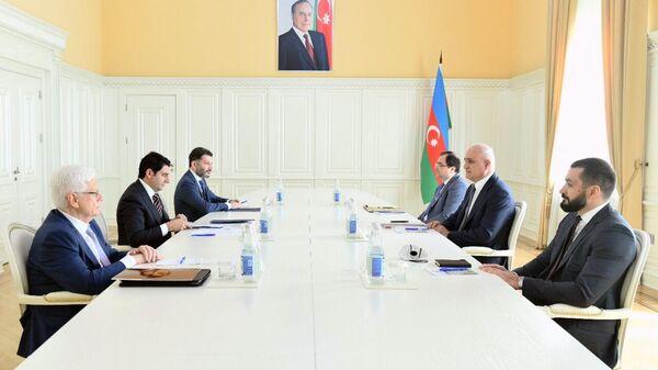 Делегация Российского экспортного центра во время встречи с заместителем премьер-министра Азербайджанской Республики Шахином Мустафаевым