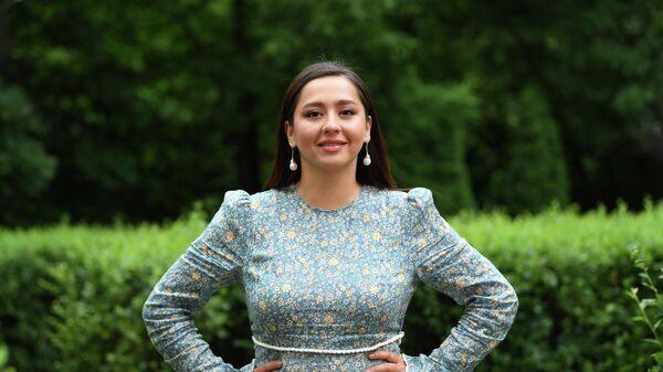 Певица Манижа во время интервью в Москве