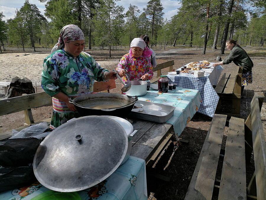 Обед на стойбище Хантыйский дворик