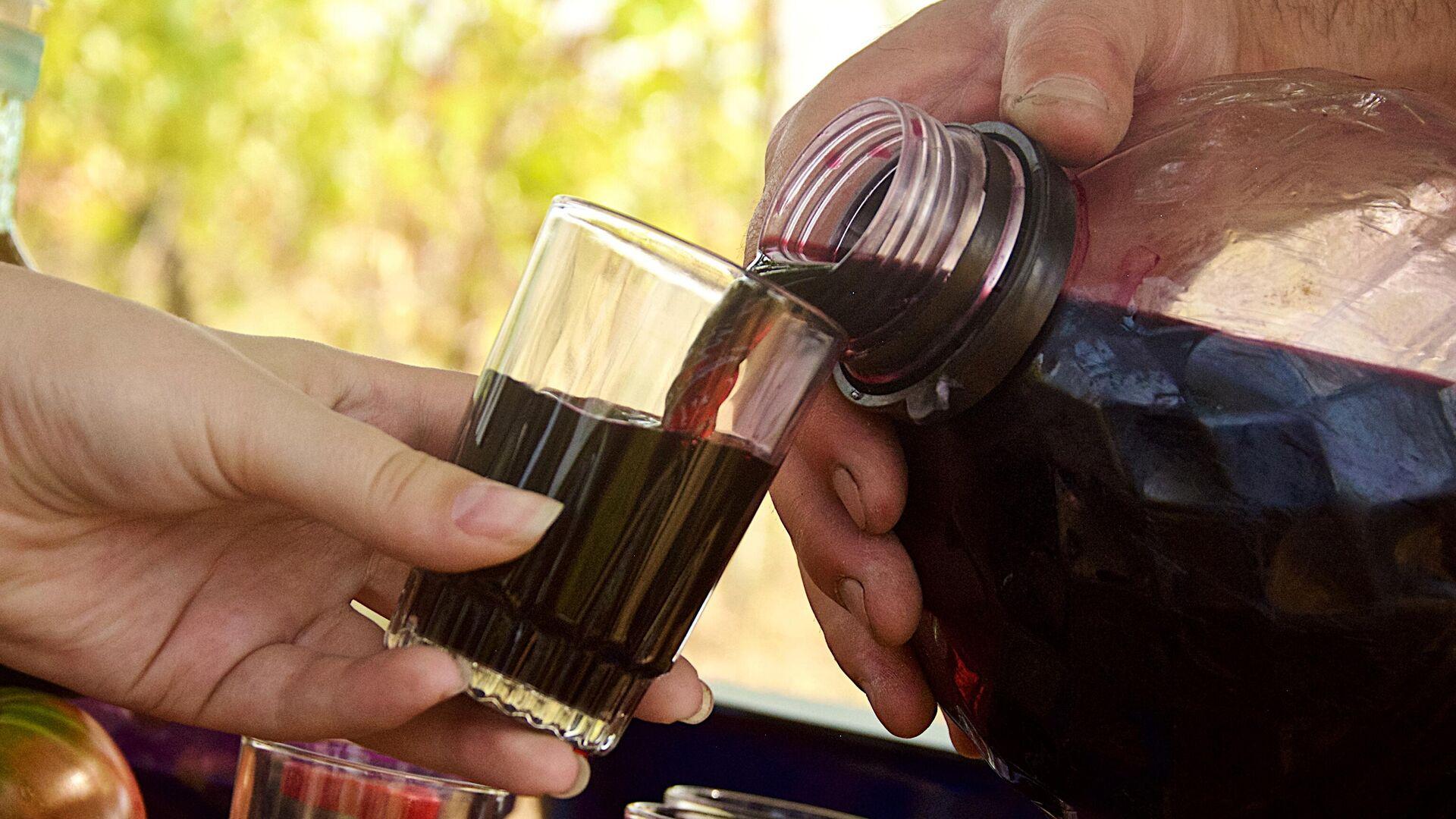 Киселев оценил эксперимент по интернет-продаже российского вина