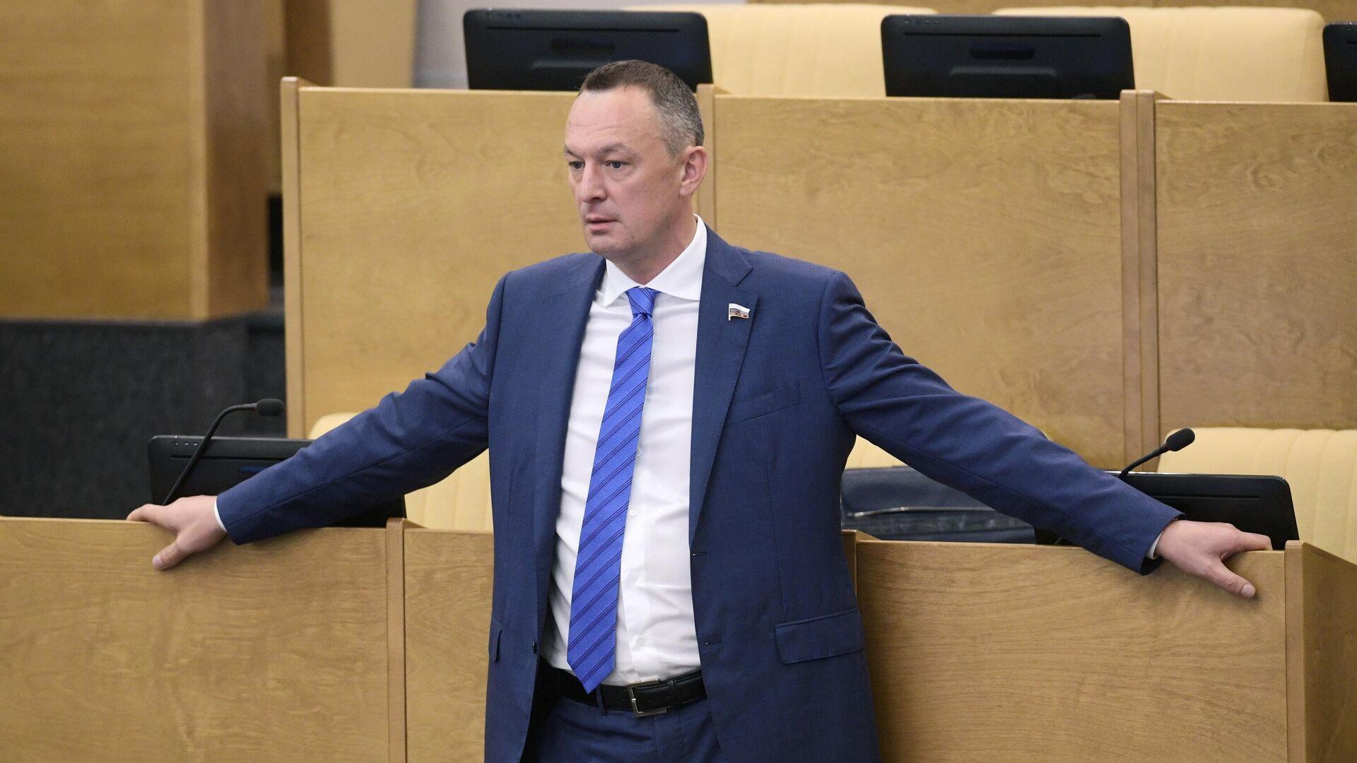 В ЕР осудили задержанного за пьяную езду депутата Госдумы