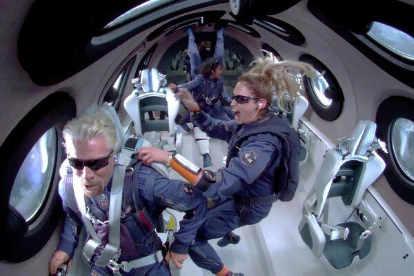 """Это было волшебно"""": миллиардер Ричард Брэнсон побывал у границ космоса -  РИА Новости, 12.07.2021"""