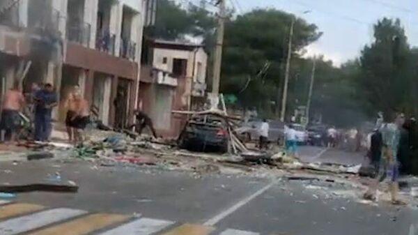 Взрыв в гостинице в Геленджике. Кадры очевидцев