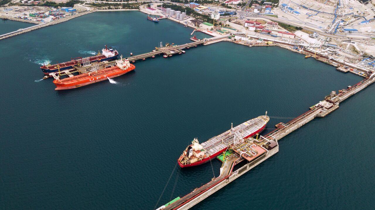 Разлив нефти у Новороссийска оказался в 400 тысяч раз масштабнее