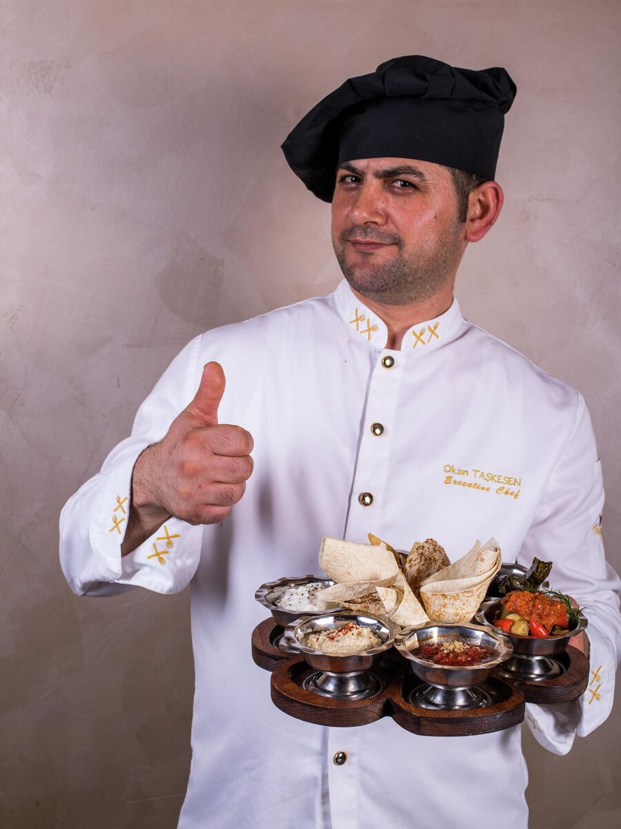 Шеф-повар одного из турецких ресторанов Окан Ташкесен