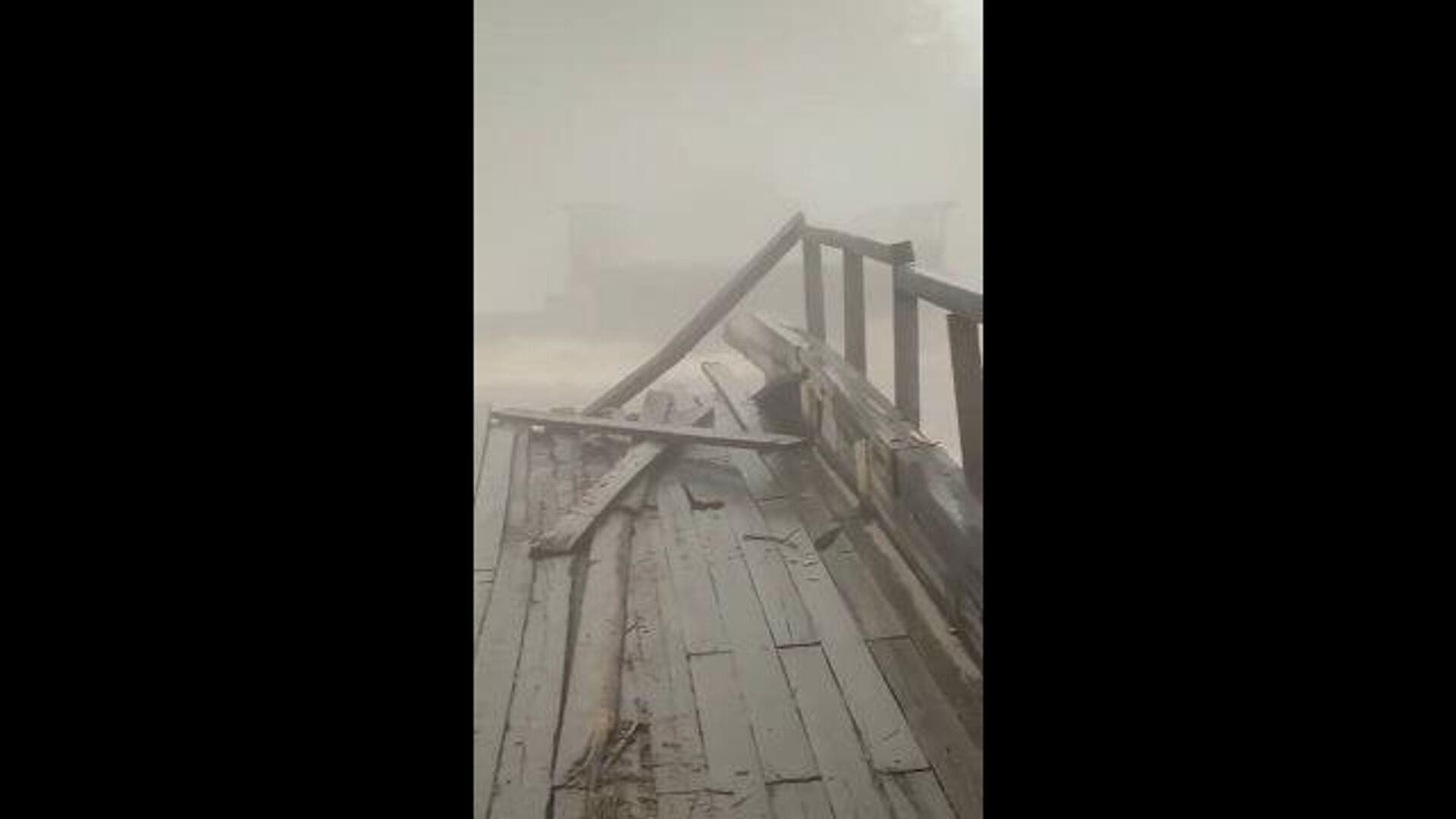 На Транссибе из-за паводков обрушился железнодорожный мост