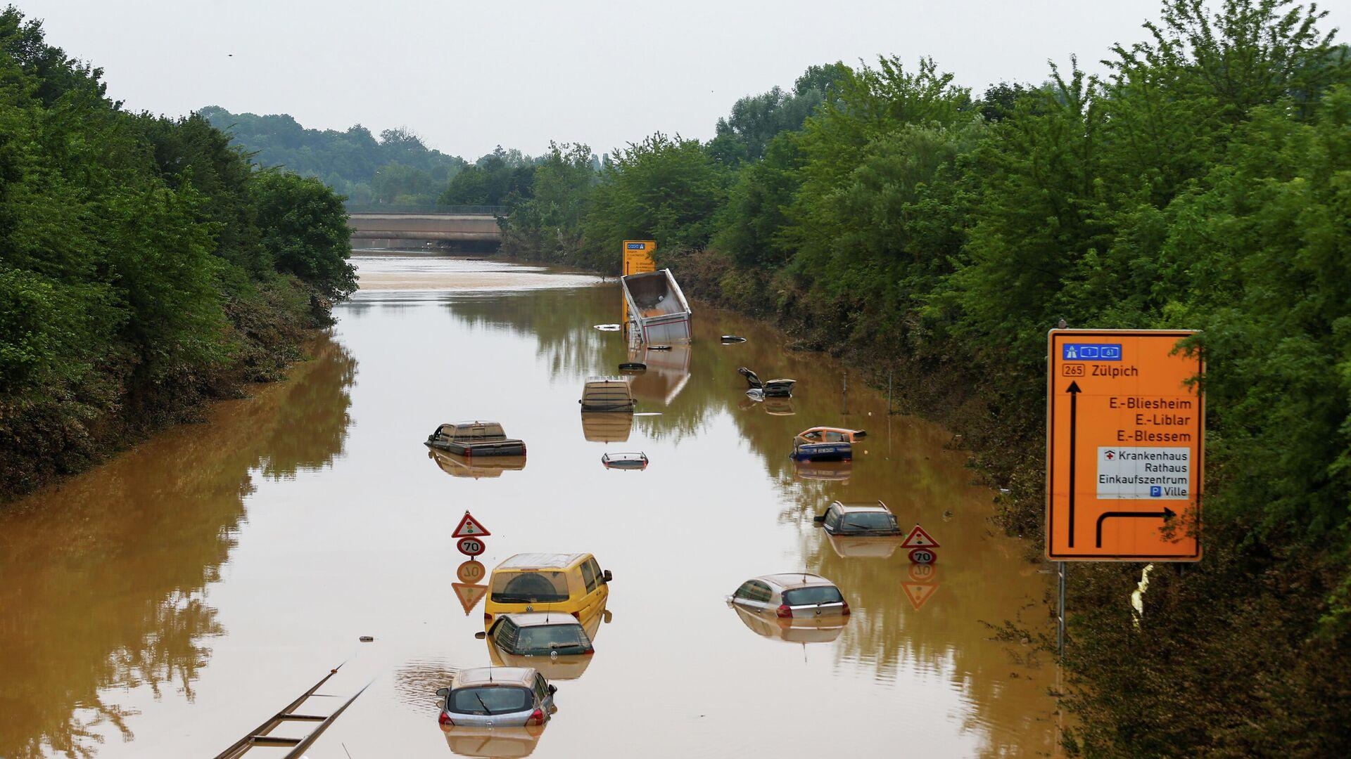 Последствия наводнения в городе Эрфтштадт-Блессем, Германия. 17 июля 2021 - РИА Новости, 1920, 17.07.2021