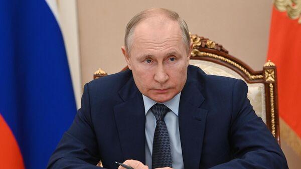Президент РФ Владимир Путин в режиме видеоконференции проводит заседание Совета по стратегическому развитию и национальным проектам