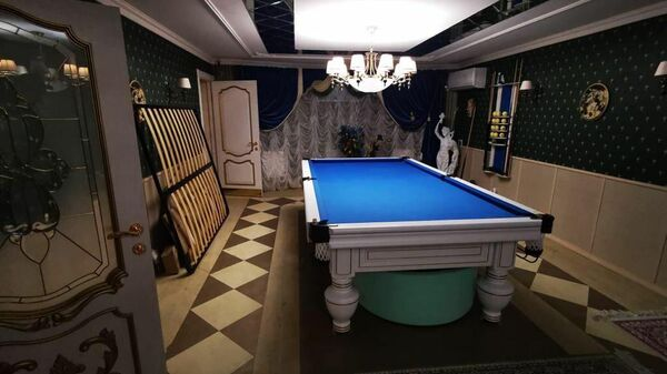 Бильярдная в доме главы ГИБДД по Ставропольскому краю Алексея Сафонова
