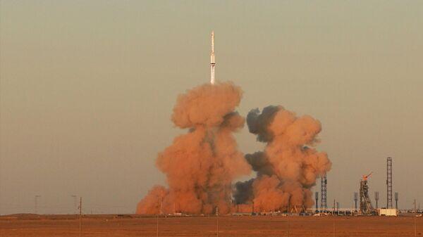 Запуск ракеты-носителя Протон-М с лабораторным модулем Наука