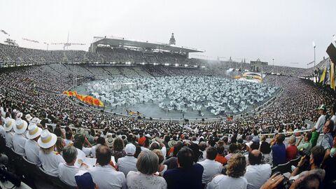 Торжественная церемония открытия XXV летних Олимпийских игр в Барселоне