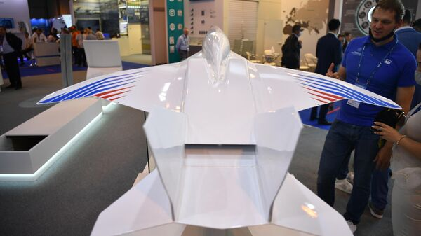 Модель демонстратора комплекса технологий сверхзвукового гражданского самолета Стриж, представленная на выставке МАКС-2021