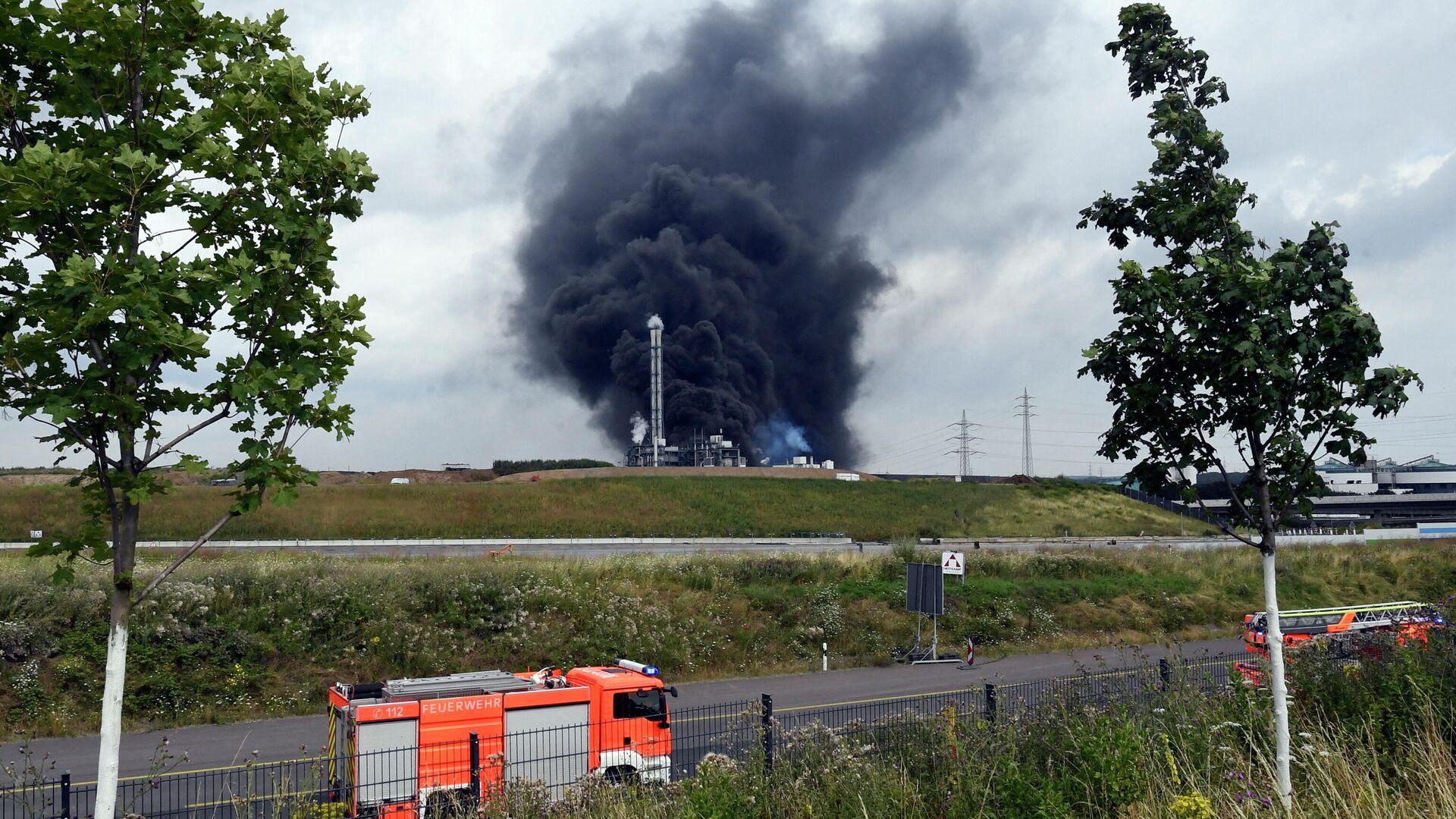 Взрыв на мусоросжигающем предприятии в Леверкузене, Германия - РИА Новости, 1920, 27.07.2021
