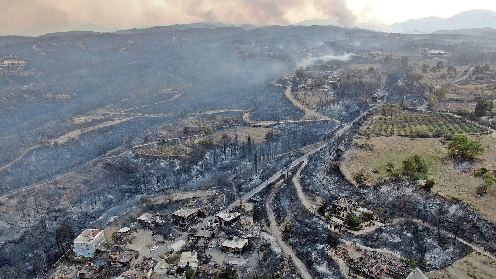 Последствия лесных пожаров в Манавгате, провинция Анталья, Турция - РИА Новости, 1920, 29.07.2021