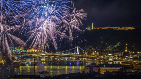 Салют в Будапеште на День Святого Иштвана