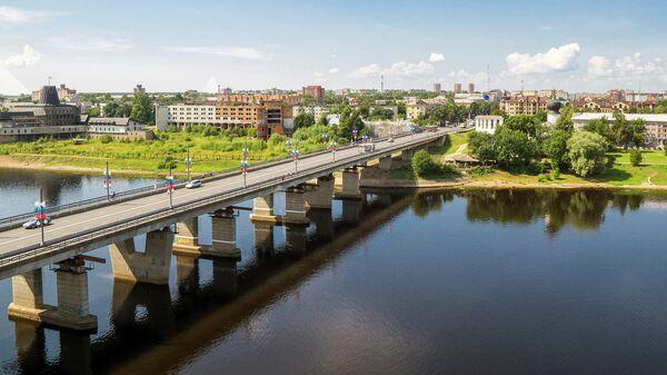 Мост через реку Великая