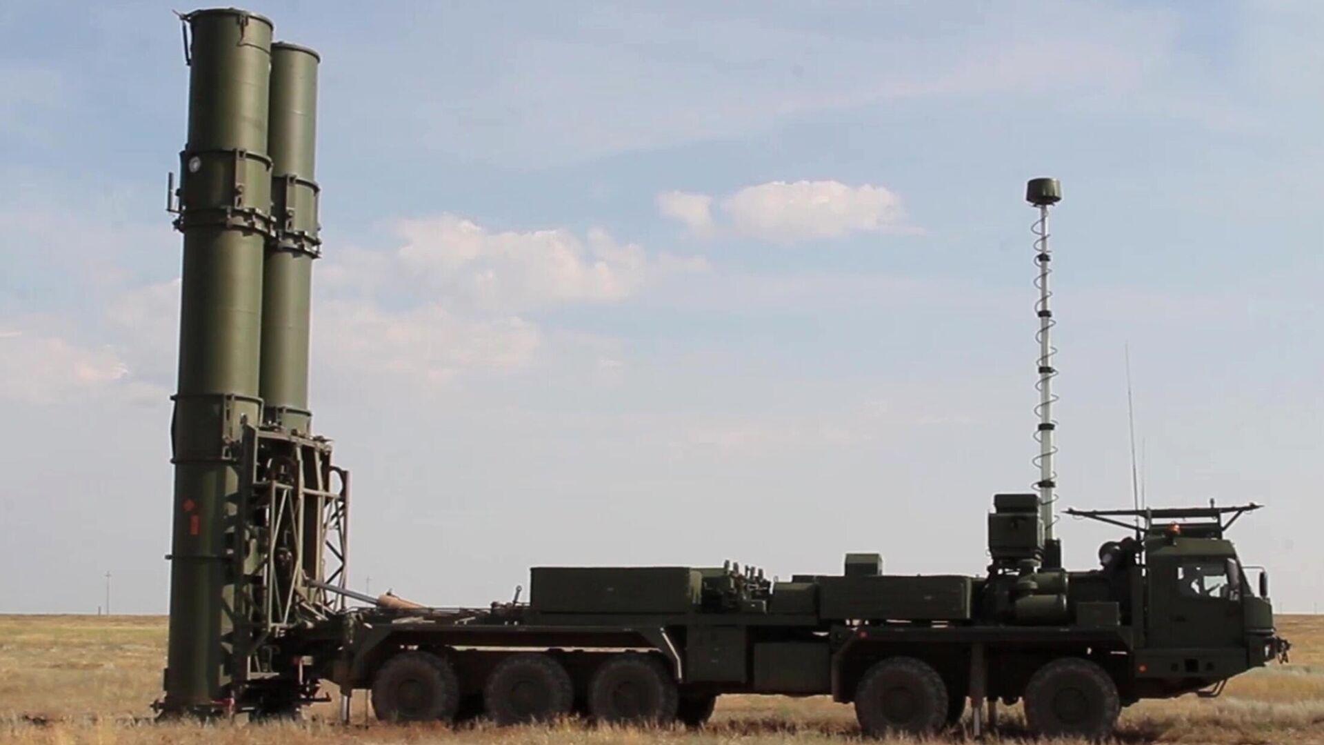 Новейшая зенитная ракетная система С-500 на полигоне Капустин Яр - РИА Новости, 1920, 04.08.2021