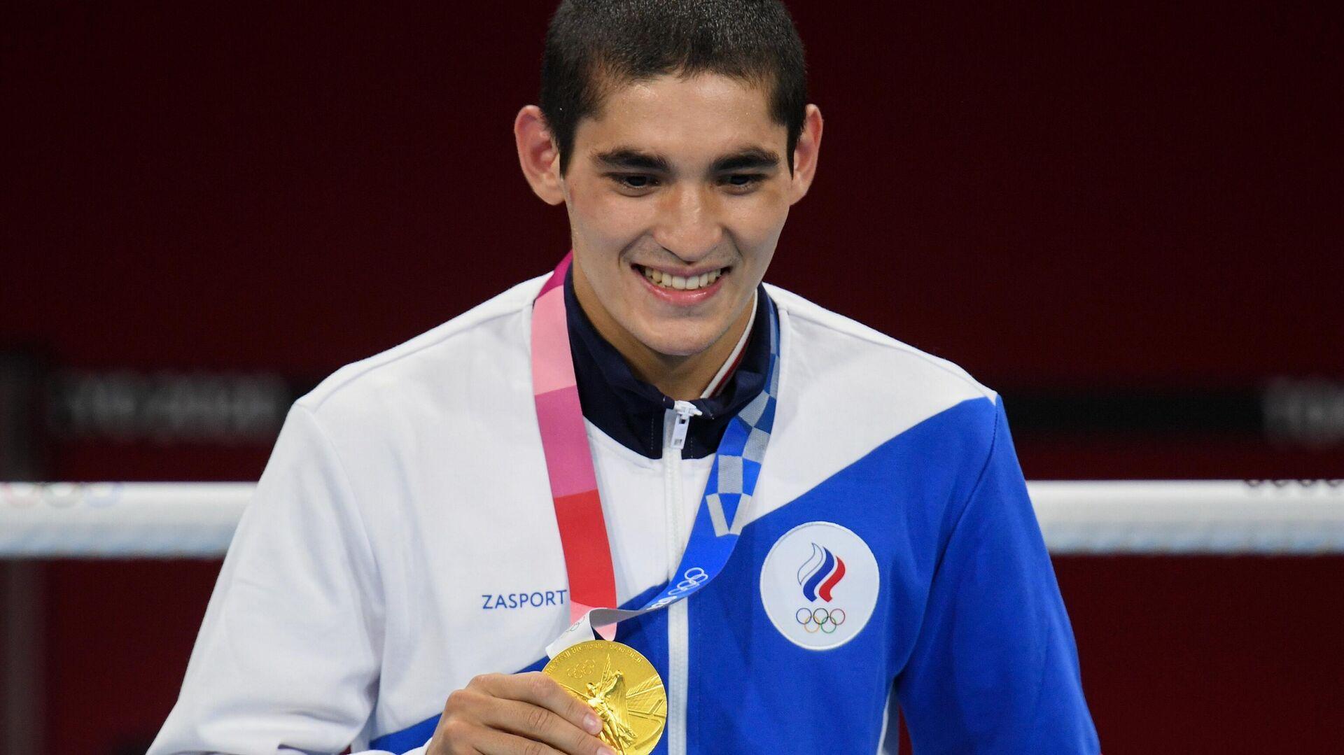 Альберт Батыргазиев, завоевавший золотую медаль в соревнованиях по боксу среди мужчин в весовой категории до 57 кг на XXXII летних Олимпийских играх в Токио - РИА Новости, 1920, 11.09.2021