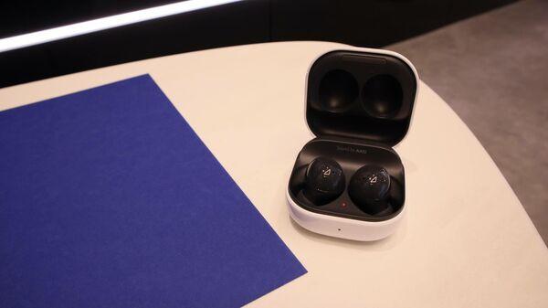 В Samsung показали складной смартфон с невидимой камерой Galaxy Z Fold3