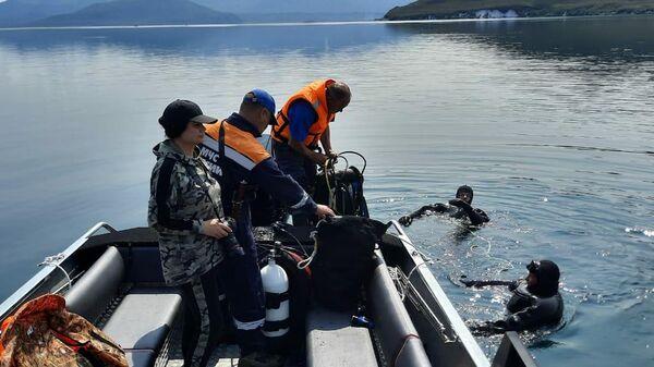 Поисково-спасательная операция на месте крушения вертолета Ми-8 на Камчатке
