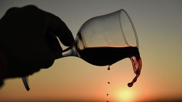 В Греции рассказали о рекордных поставках вина в Россию в этом году