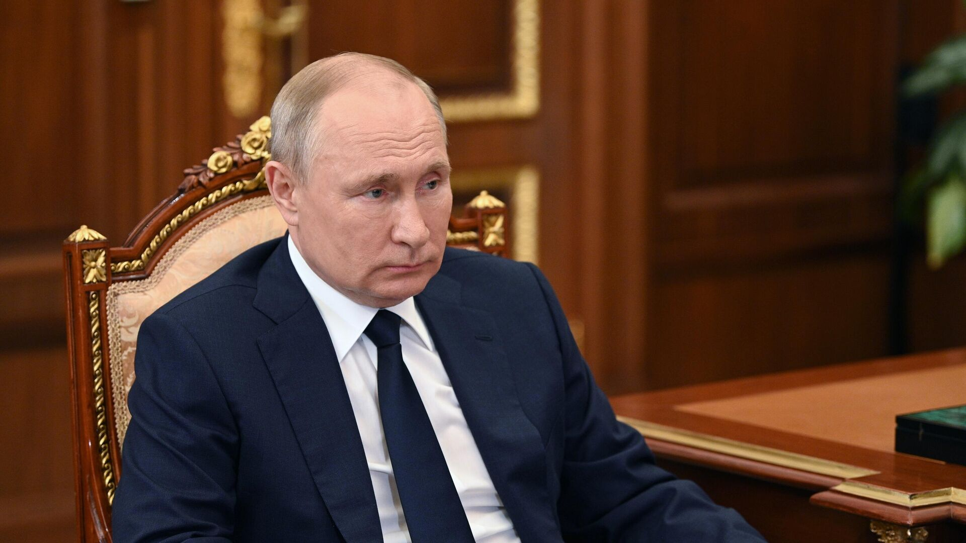 Путин пообещал главе Мордовии поддержку из-за закредитованности региона
