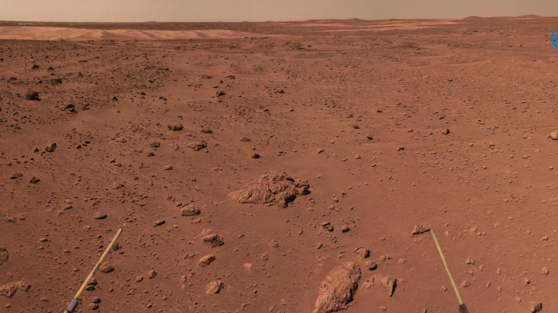 Китайский марсоход проехал по поверхности Марса более километра
