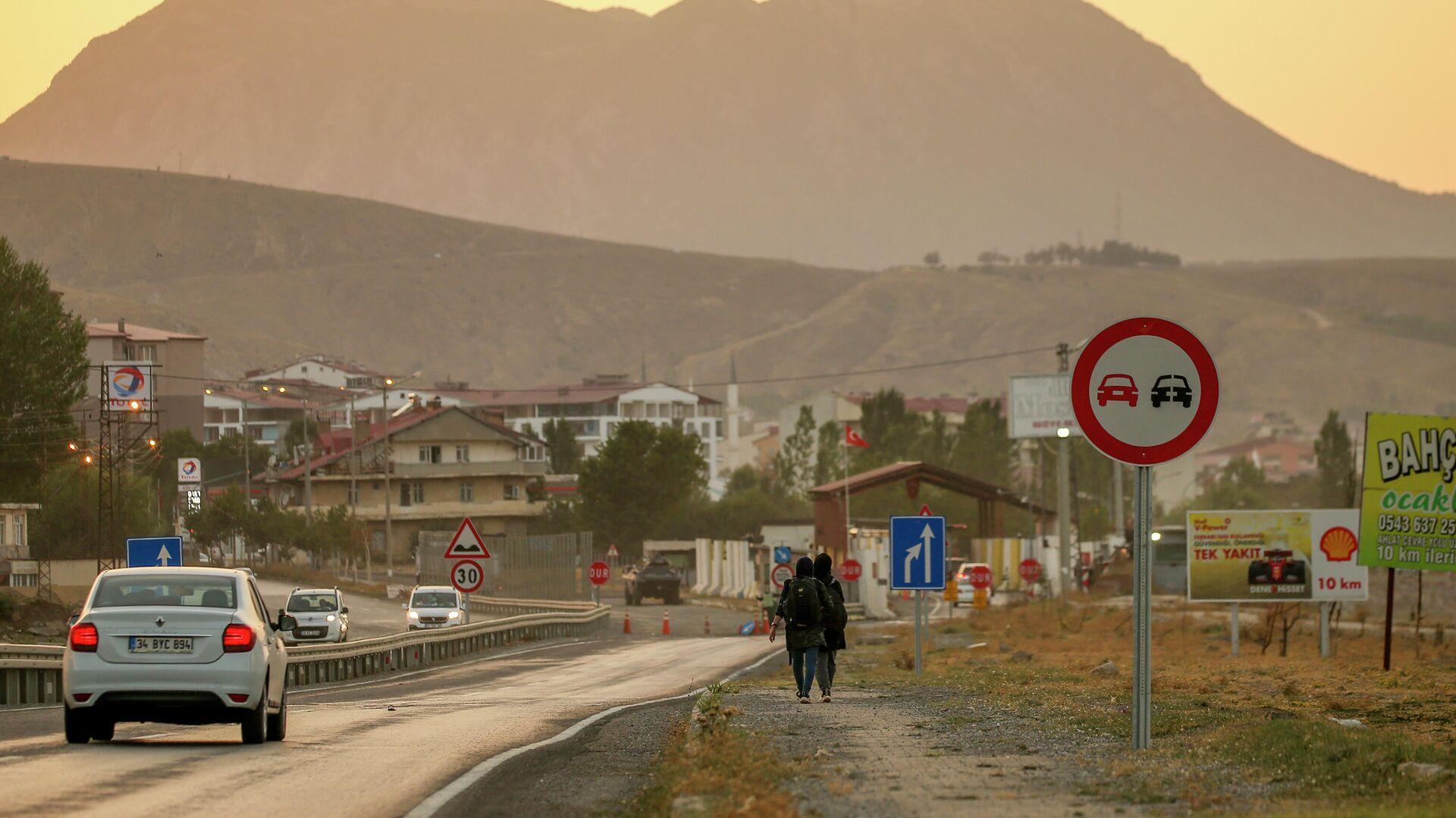 Афганские мигранты в Татване, на востоке Турции  - РИА Новости, 1920, 10.09.2021