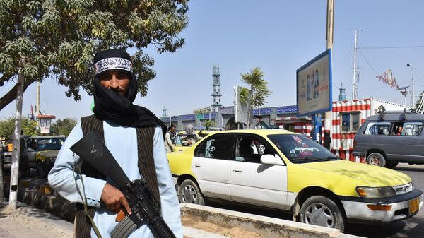 Боевик Талибана* в городе Мазари-Шариф